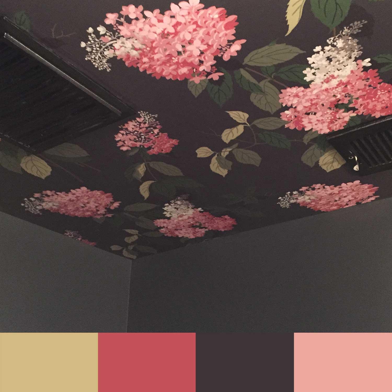 Flowery ceiling wallpaper